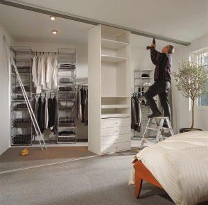 schiebet rsysteme frische gesichter f r m de schr nke bm online. Black Bedroom Furniture Sets. Home Design Ideas