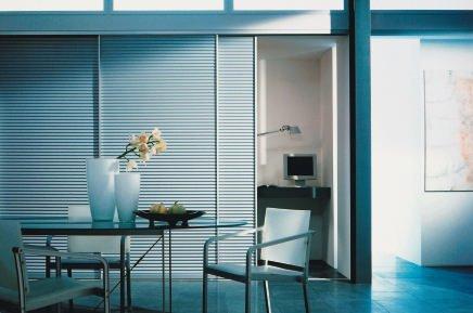 korpusunabh ngige schiebet rsysteme impulse f r individuelle einrichtungskonzepte bm online. Black Bedroom Furniture Sets. Home Design Ideas