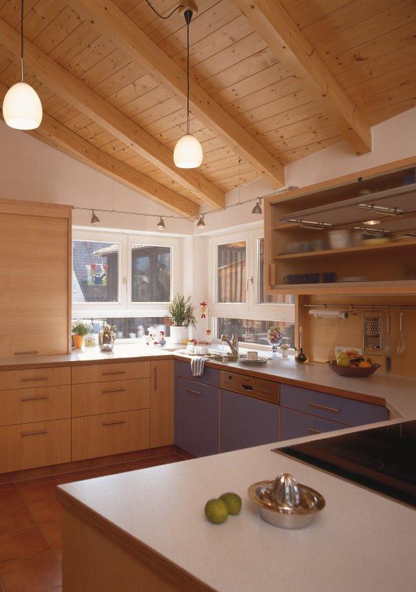 k cheneinbauten aus der tischler und schreinerwerkstatt wohnk che in einem bauernhaus bm online. Black Bedroom Furniture Sets. Home Design Ideas