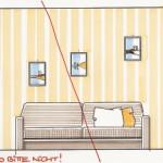 Abb. 230: So wahllos sollten diese kleinen Bilder nicht auf der Wandfläche verteilt werden. Das rechte Bild hängt außerdem viel zu hoch