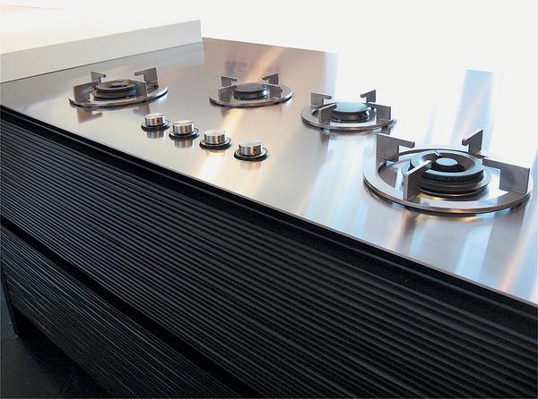 edelstahlarbeitsplatten in sonderanfertigung kochen mit. Black Bedroom Furniture Sets. Home Design Ideas