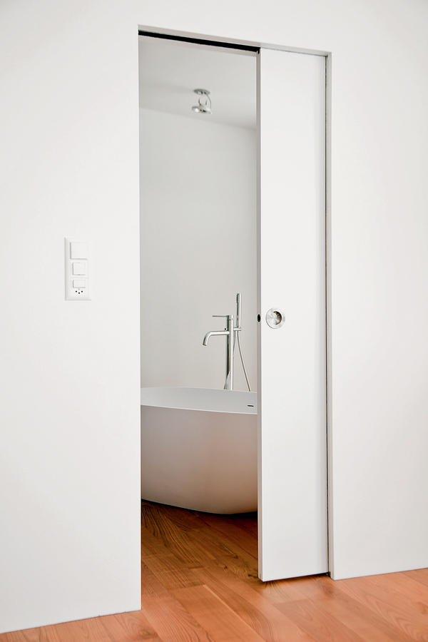 reduzierte linienf hrung innenausbau eines wohnhauses in der schweiz k che minimal bm online. Black Bedroom Furniture Sets. Home Design Ideas