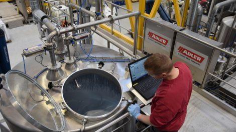 1_ADLER_Wasserlackfabrik_Produktionstank.jpg