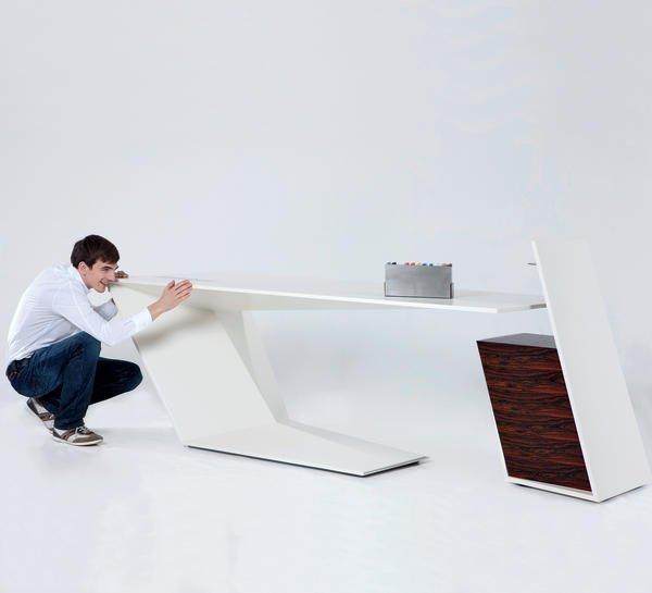 Schreibtisch futuristisch  Meisterstücke aus der Ortweinschule Graz. Meisterliches aus ...