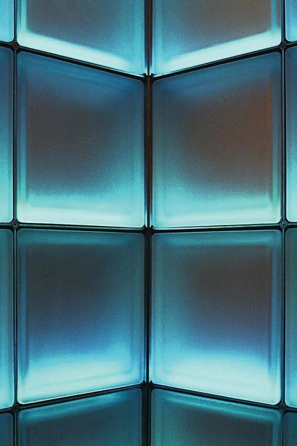 flachglas markenkreis bringt licht ins glas licht aus dem glasbaustein bm online. Black Bedroom Furniture Sets. Home Design Ideas