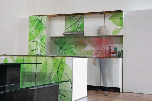 Fachgerechte Aufbringung von Glas auf Küchenfronten. Pimp my kitchen ...