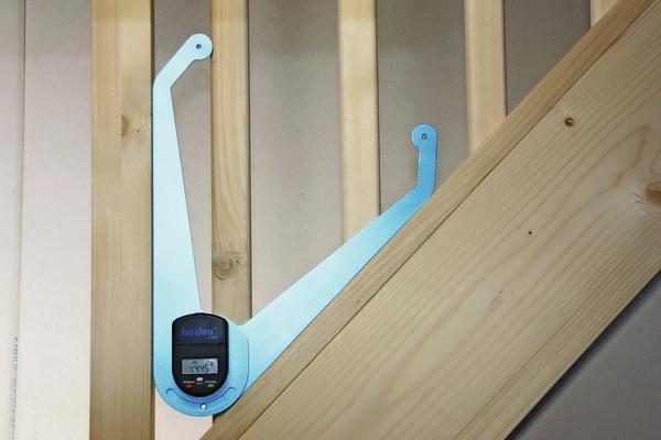 hedue stellt kombi aus digitaler messkluppe winkelmesser vor praktische zwei in eins l sung. Black Bedroom Furniture Sets. Home Design Ideas