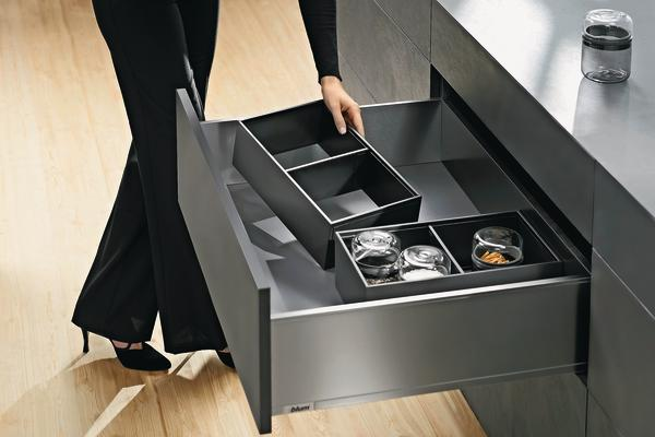 blum bietet neues organisationssystem f r legrabox sorgt f r ordnung in der schublade bm online. Black Bedroom Furniture Sets. Home Design Ideas
