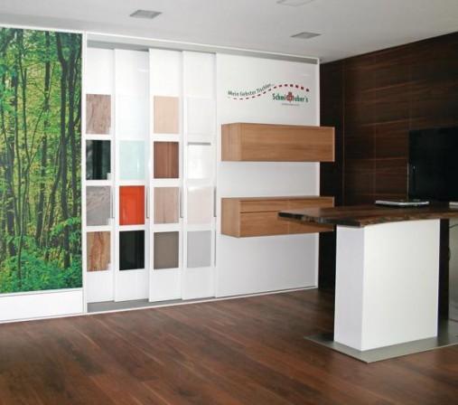 robin wood mit neuem ausstellungskonzept gro e wirkung auf kleiner fl che bm online. Black Bedroom Furniture Sets. Home Design Ideas