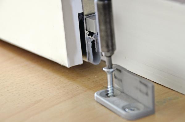 athmer setzt schall und luftzug ein ende umlaufend dicht. Black Bedroom Furniture Sets. Home Design Ideas