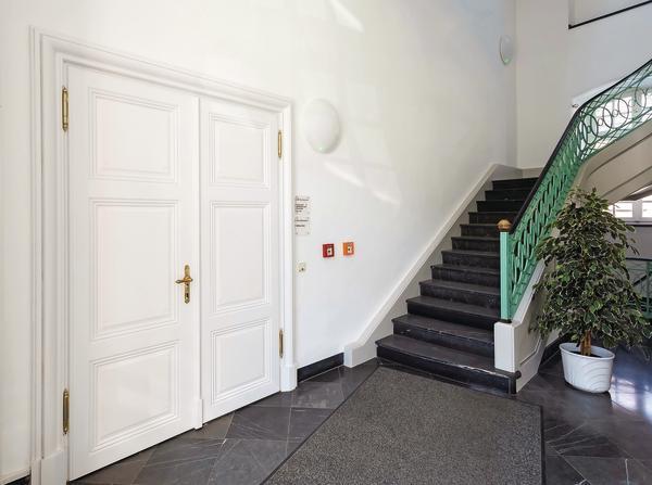 hoba liefert individuelle t ren f r die abtei brauweiler in pulheim brandschutz im kloster bm. Black Bedroom Furniture Sets. Home Design Ideas