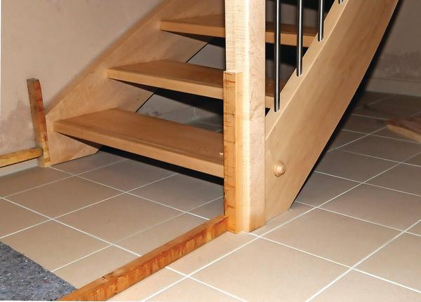 holztreppenkonstruktion unter der lupe wenn s knarrt und quietscht bm online. Black Bedroom Furniture Sets. Home Design Ideas