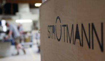 """Einen Namenszug mit durchgeschnittenem """"O"""" haben Christoph Strotmann und seine Mitarbeiter entwickelt. Hier ziert das Logo eine Werkzeugkiste. Das """"O"""" als Bildmarke findet aber auch losgelöst Verwendung ..."""