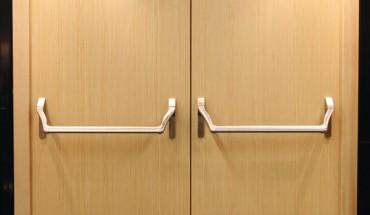 flucht archive bm online. Black Bedroom Furniture Sets. Home Design Ideas
