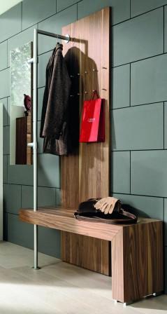 mehr als ein durchgangszimmer mit gelungener flurgestaltung beim kunden punkten bm online. Black Bedroom Furniture Sets. Home Design Ideas
