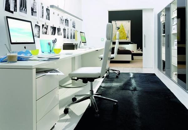 zehn praxistipps f r die kundenberatung den schreibtisch sinnvoll und ergonomisch integrieren. Black Bedroom Furniture Sets. Home Design Ideas