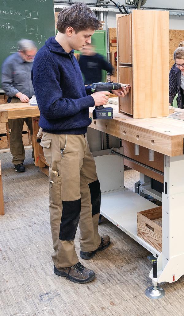Rolf benz schule nagold setzt zeichen im bereich ergonomie for Rolf benz nagold showroom