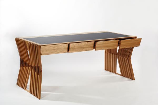 meisterst ck in r ster nussbaum und linoleum spiel der schr gen bm online. Black Bedroom Furniture Sets. Home Design Ideas