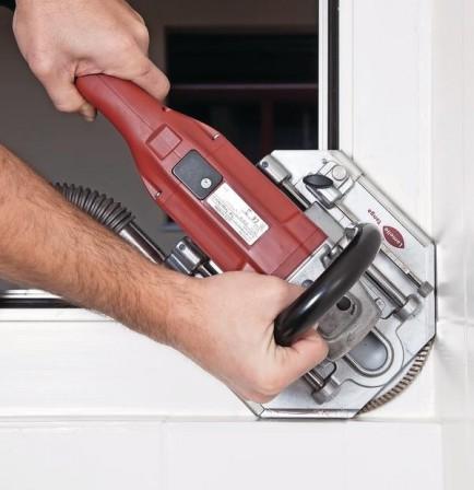 BMMarktübersicht Spezialmaschinen Für Die Fensterrenovierung - Fliesen herausschneiden
