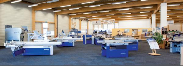 Super 1000 Quadratmeter Holzbearbeitung. Felder eröffnet Niederlassung &WF_05