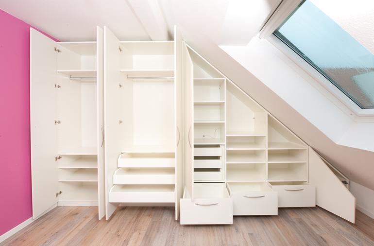 unterst tzung f r kleine betriebe dachschr genschrank. Black Bedroom Furniture Sets. Home Design Ideas