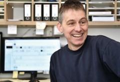 Verbindungen schaffen: Dass die Daten der Arbeitsvorbereitung von der AV-Software über das Schnittoptimierungsprogramm direkt zur vertikalen Plattensäge gelangen, ist für Tischlermeister Christian Licher das A und O.