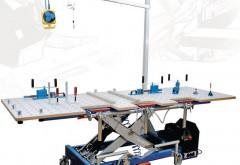 Allzeit bereit: Höhenverstellbar, mit flexibler Abeitsfläche und zahlreichen Zusatzfunktionen ist der modifizierte Arbeitstisch 500 V der ideale Werkstatthelfer.