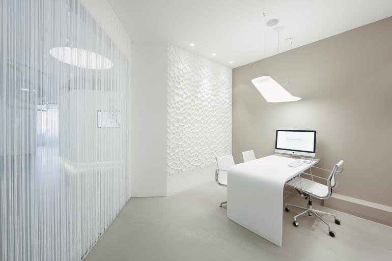 Innenausbau einer zahnarztpraxis im hessischen dreieich for Arredamento per studio medico
