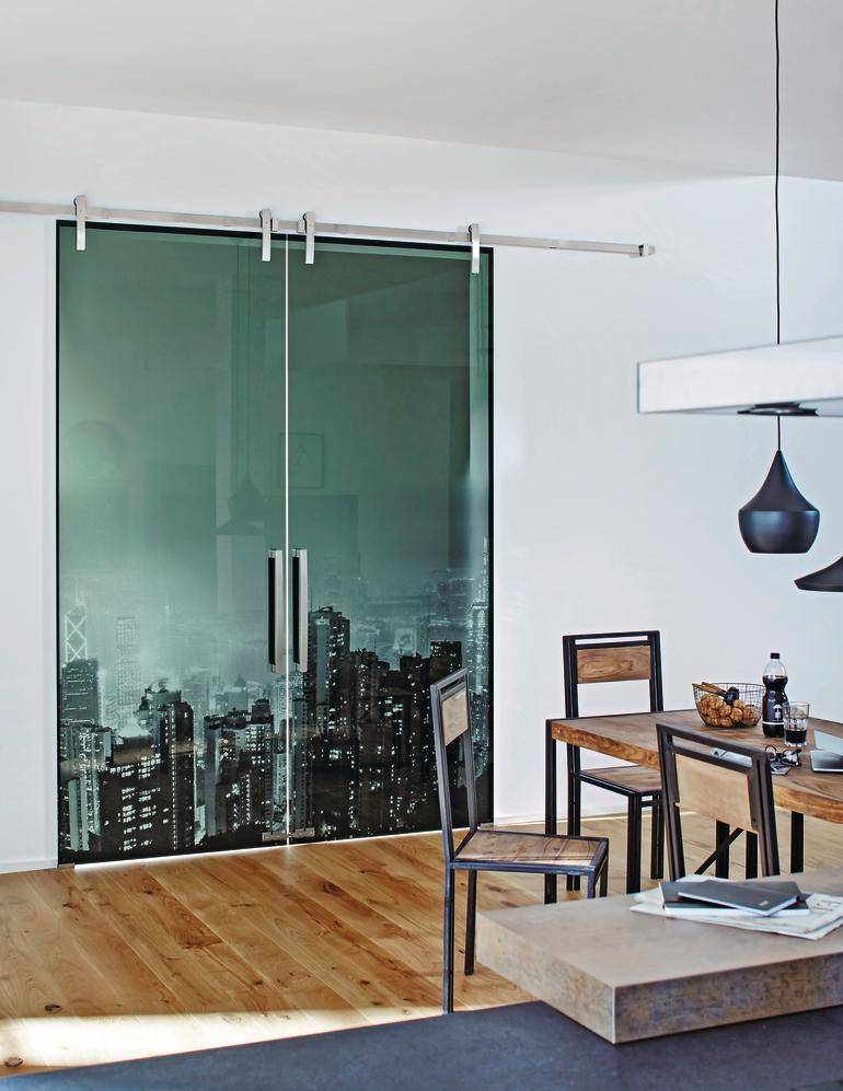 saint gobain macht farbiges floatglas noch dunkler grau ist nicht immer gleich grau bm online. Black Bedroom Furniture Sets. Home Design Ideas