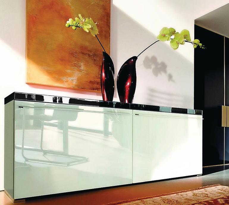 hesse entwickelt neuen hochglanzlack pur adamant sehr kratzfest und chemisch best ndig bm online. Black Bedroom Furniture Sets. Home Design Ideas