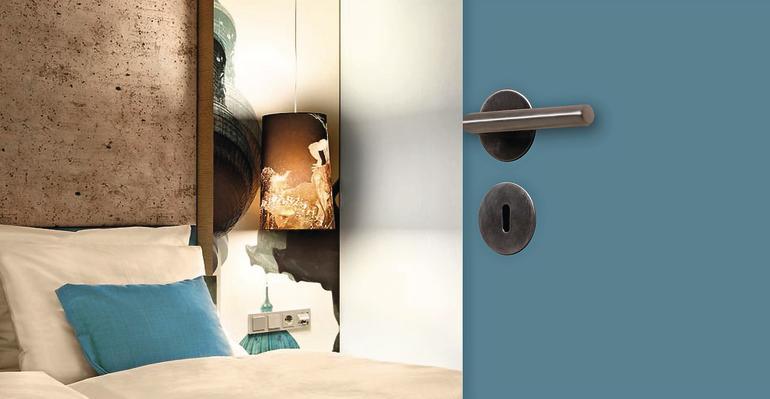 jeld wen setzt auf ausgew hlte innent ren mit hpl oberfl che kompakte schnell verf gbare. Black Bedroom Furniture Sets. Home Design Ideas