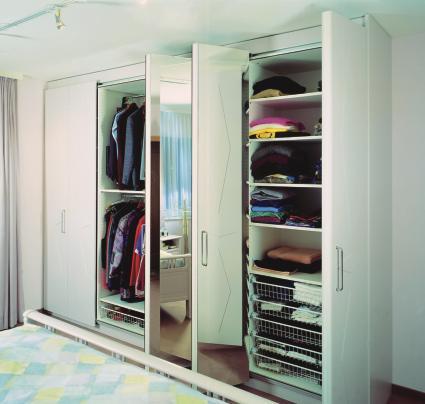 schiebet ren im m bel und innenausbau teil 3 gefaltet und versteckt bm online. Black Bedroom Furniture Sets. Home Design Ideas