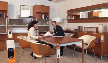 furnier echt holz ein zeichen setzt sich durch bm online. Black Bedroom Furniture Sets. Home Design Ideas