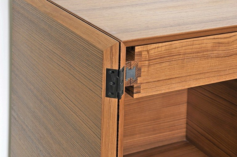 meisterst ck in teak und makassar ebenholz feines genussm bel bm online. Black Bedroom Furniture Sets. Home Design Ideas