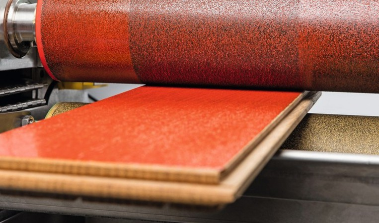 axel wirth stellt beschichtungsmaschinen vor l sungen f r l lack und klebstoffe bm online. Black Bedroom Furniture Sets. Home Design Ideas