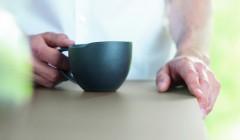 Optik ist das Eine. Ohne technische Innovationen wäre mancher Trend schon wieder in der Schublade verschwunden. Das gilt zum Beispiel für supermatte Oberflächen, die keine Probleme mehr mit Fingerabdrücken haben und dazu noch besonders kratzfest sind. Foto: www.pfleiderer.de