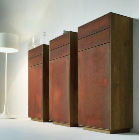 adler zeigt schritt f r schritt wie man rost auf s m bel. Black Bedroom Furniture Sets. Home Design Ideas