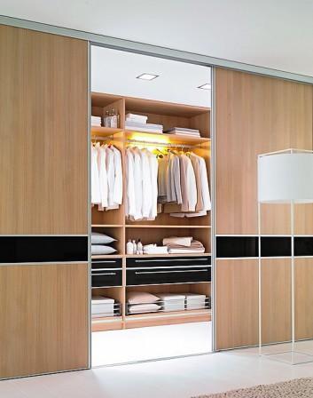 cabinet liefert ma gefertigte gleitschiebet ren. Black Bedroom Furniture Sets. Home Design Ideas