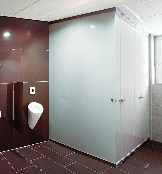 sprinz liefert wc trennwandsysteme aus glas raum und. Black Bedroom Furniture Sets. Home Design Ideas