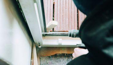Ist die Fensterbefestigung ausreichend? Die übersichtlichen Tabellen der neuen TSD-Befestigungsschrift klären auf. Foto: Pinta Abdichtung GmbH