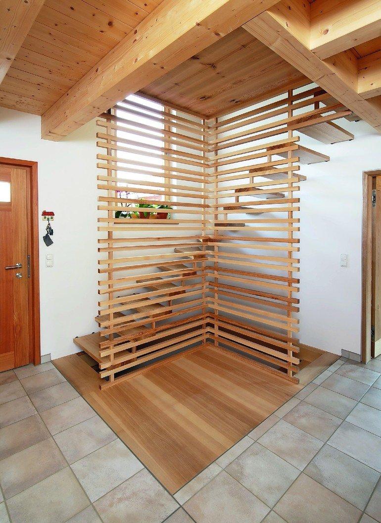Handwerkliche Treppe In Esche Fur Ein Einfamilienhaus Feines