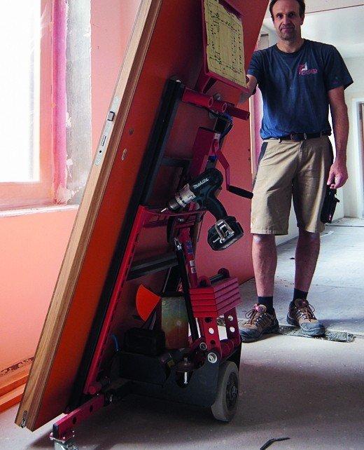 portamobil zeigt montageger te und werkzeuge schwere objektt ren einfach montieren bm online. Black Bedroom Furniture Sets. Home Design Ideas