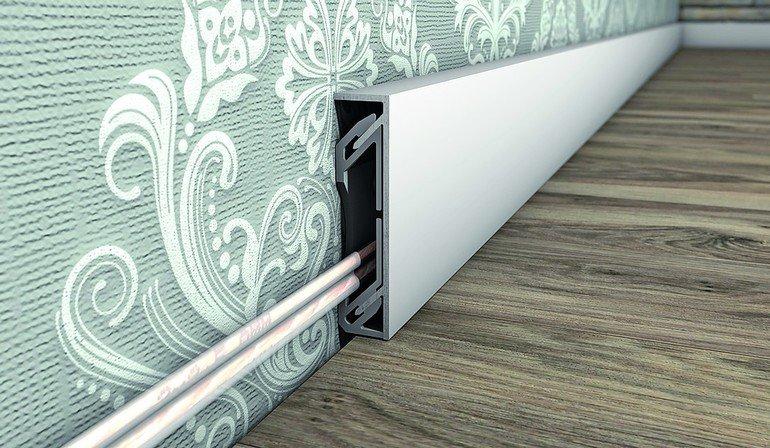 prinz setzt bei alu sockelleisten auf neue clips befestigung montage ohne besch digungen bm. Black Bedroom Furniture Sets. Home Design Ideas