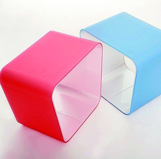 evonik zeigt verschiedene plexiglas varianten von hochgl nzend bis sanft satiniert bm online. Black Bedroom Furniture Sets. Home Design Ideas