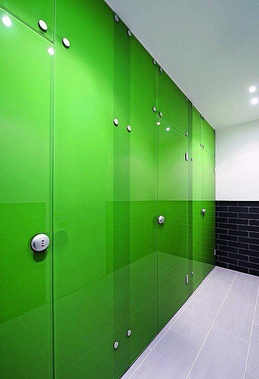 sch fer trennwandsysteme liefert wc w nde aus glas ein plus an privatsph re bm online. Black Bedroom Furniture Sets. Home Design Ideas