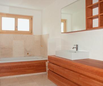 wohngeist badm bel aus massiven h lzern sinnlich bm online. Black Bedroom Furniture Sets. Home Design Ideas