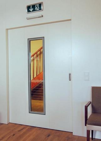 sturm funktionst ren holz schiebet r mit fluchtt r bm. Black Bedroom Furniture Sets. Home Design Ideas