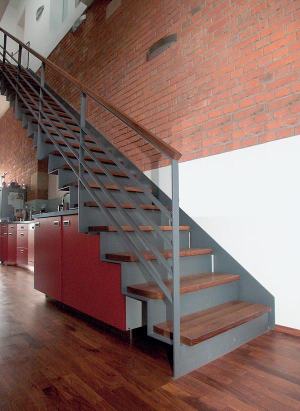spitzbart treppen holz trifft stahl bm online. Black Bedroom Furniture Sets. Home Design Ideas