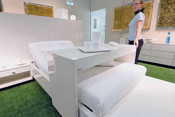 Rolltisch Bett