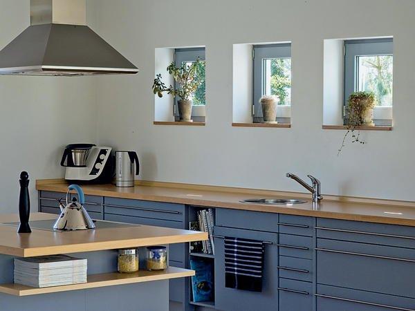 Graue Kunststofffenster einfamilienhaus mit attraktiver fenstergestaltung fenster und